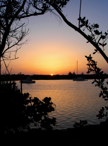 bahamas, abaco, green turtle cay, new plymouth, roberts cottages, sunrise