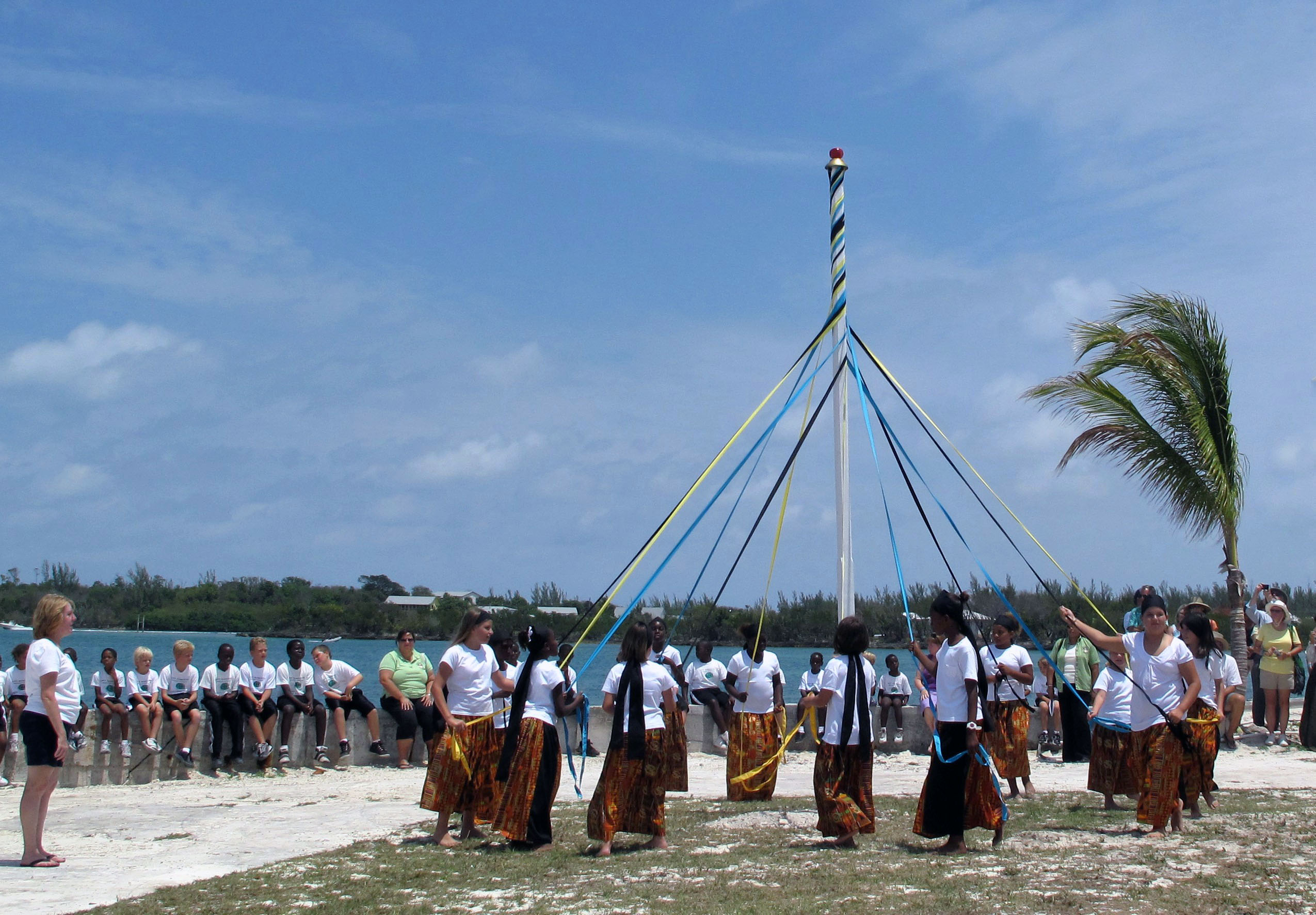 Plaiting the Maypole - IRHF 2011