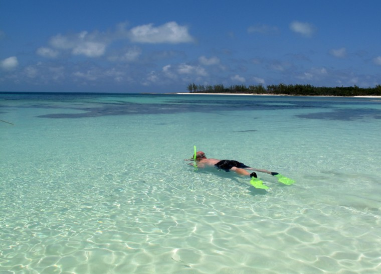 Snorkeling at Munjack Cay