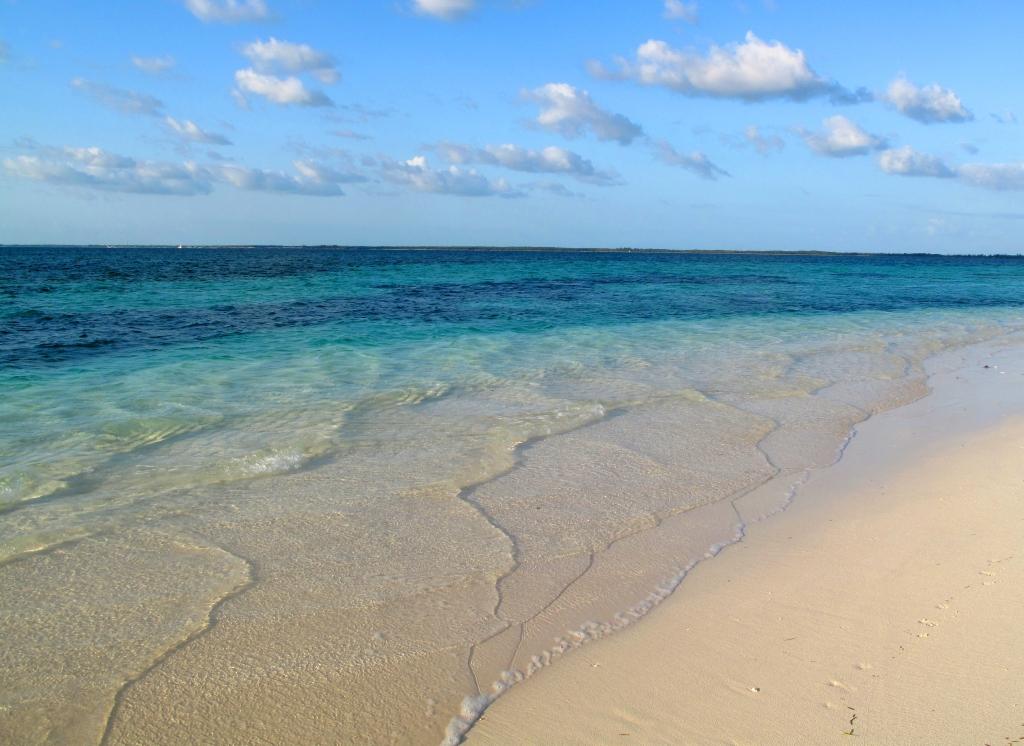 abaco, bahamas, green turtle cay, gillam bay, beach, travel, travel photography