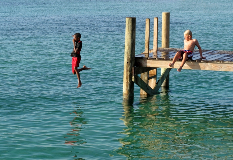 bahamas, abaco, green turtle cay, new plymouth, children, swimming