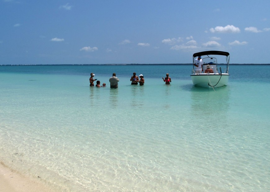 bahamas, abaco, green turtle cay, gillam bay, boating, conch