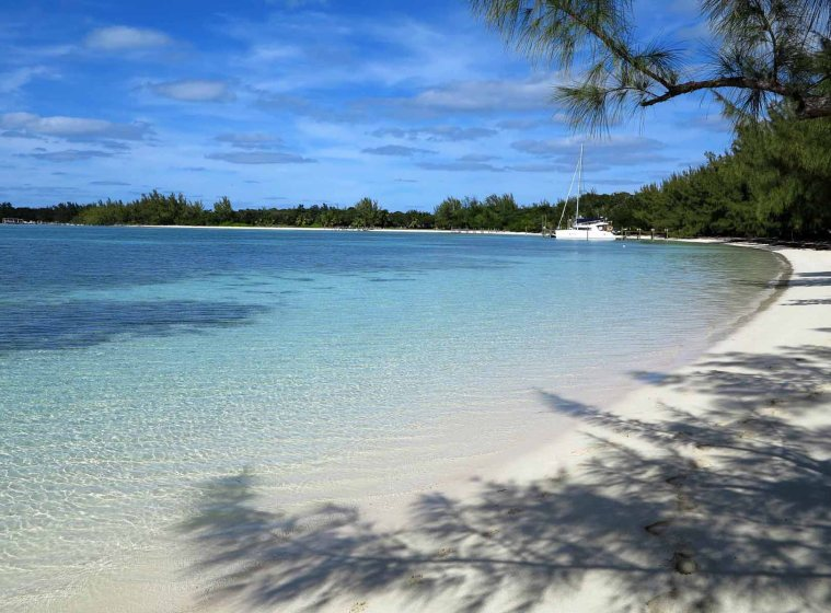 Coco Bay Beach - Green Turtle Cay, Abaco, Bahamas