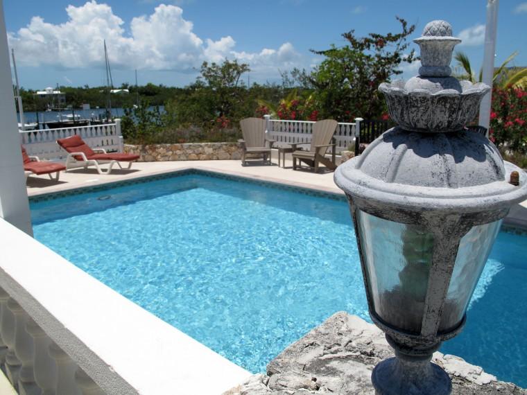 bahamas, abaco, green turtle cay, leeward yacht club, lizard bar and grill, swimming, pool