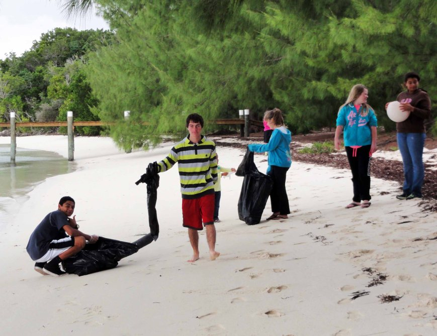 bahamas, abaco, green turtle cay, youth, environment, beach cleanup, coco bay