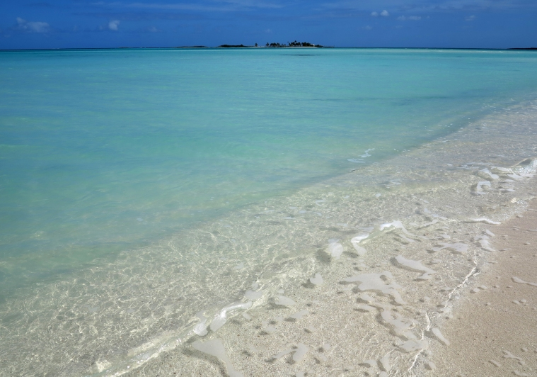 www.LittleHousebytheFerry.com - Daily Photo - Gillam Bay, Green Turtle Cay, Abaco, Bahamas.